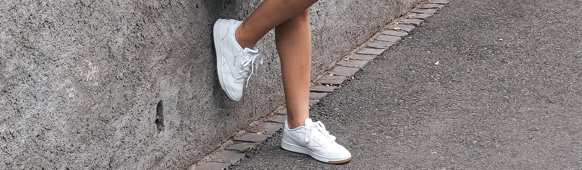 Sneakers Zum Kleid Kombinieren Shoelove By Dosenbach